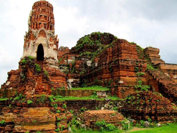 http://asiagood.ru/wp-content/uploads/2013/10/ayutthaya06.jpg