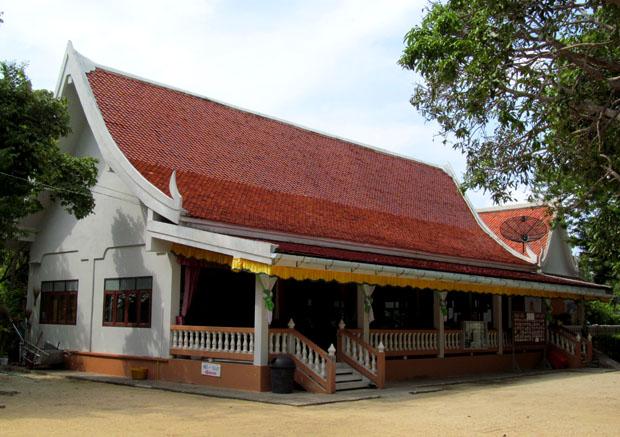Wat-Phu-Khao-Noi1