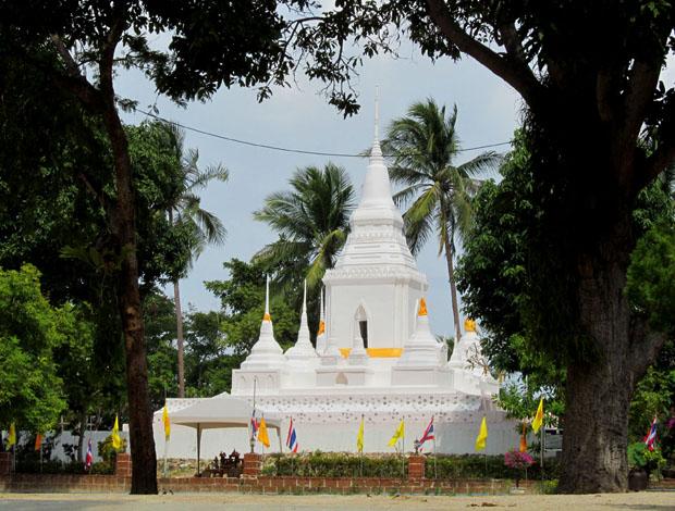 Wat-Phu-Khao-Noi6