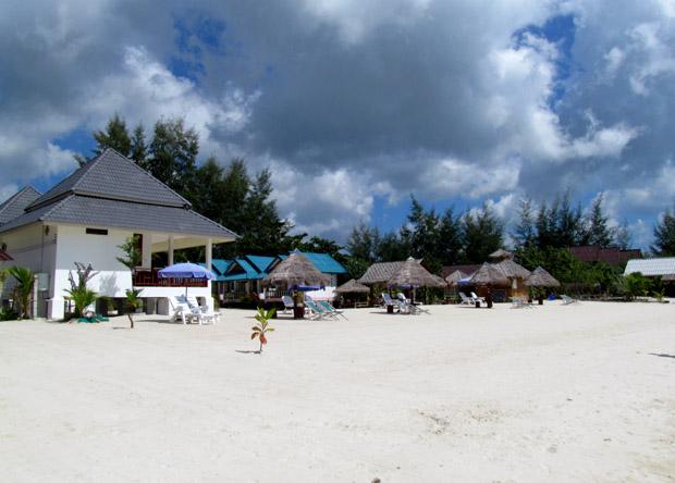пляж Шритану на Панганее