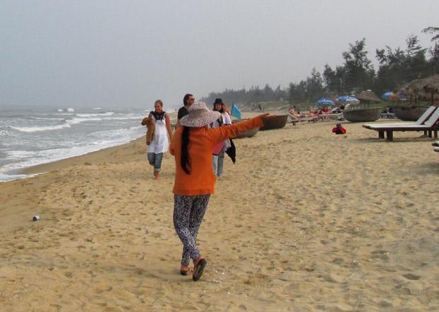 торговка на вьетнамском пляже