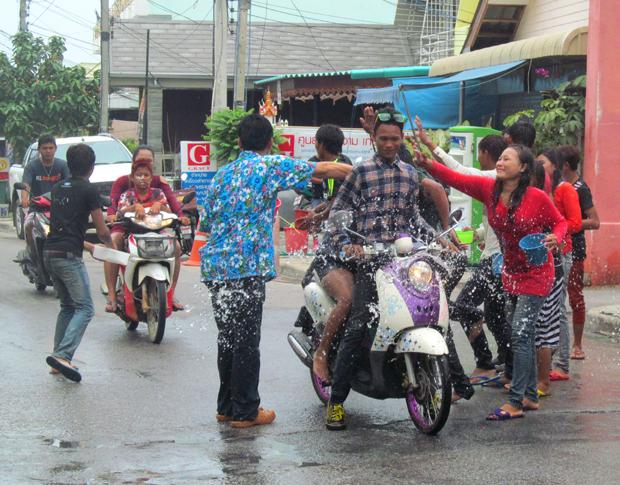 Сонгкран в Таиланде