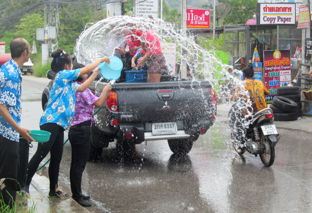 Сангкран в Хуа Хине