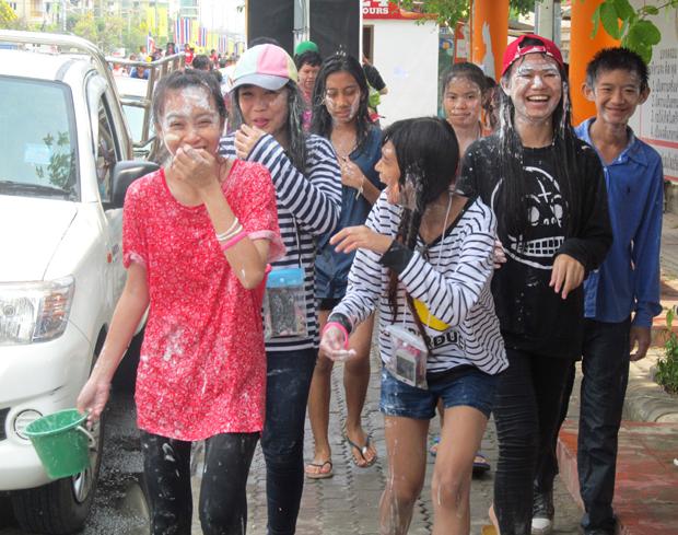 Сонгкран в Тае