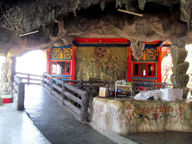 храм черепахи в Хуа Хине