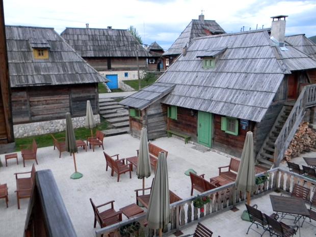 деревня кустурицы