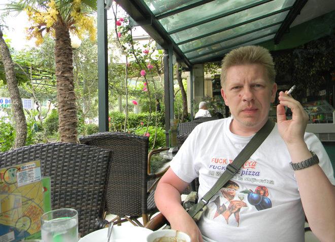 в кафе в Черногории можно курить